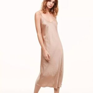 Aritzia Wilfred Free Christine Dress Marmot